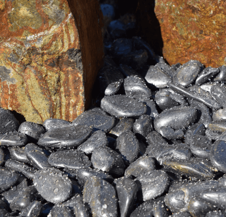 Black Polished Landscaping Pebble with Basalt Columns